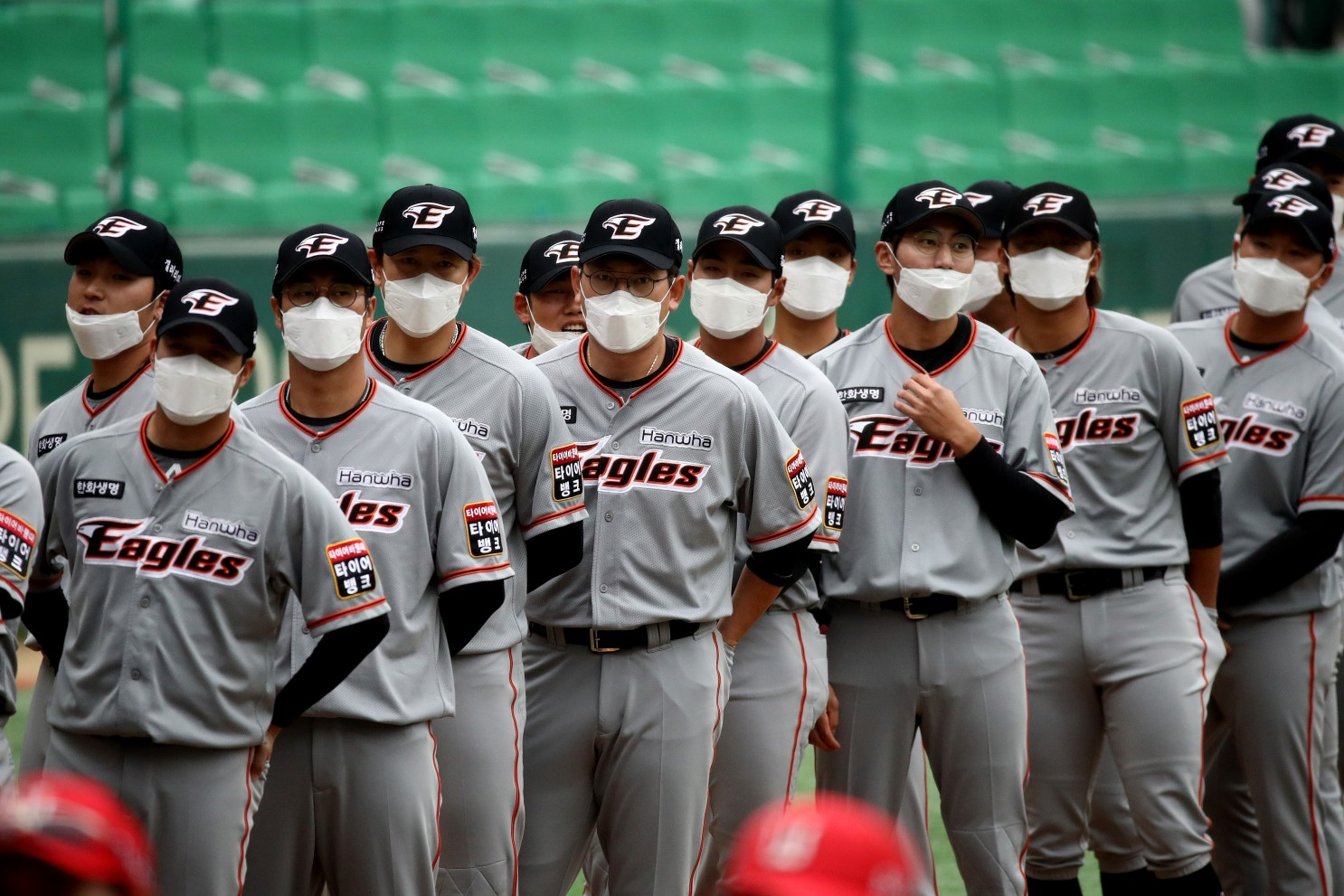 baseball teams to test all of its players and coaches for the new coronavirus